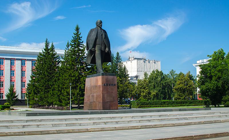 фото памятника ленина в барнауле рада